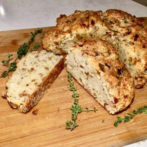 Caramelized onion, Gruyere and Thyme Soda Bread